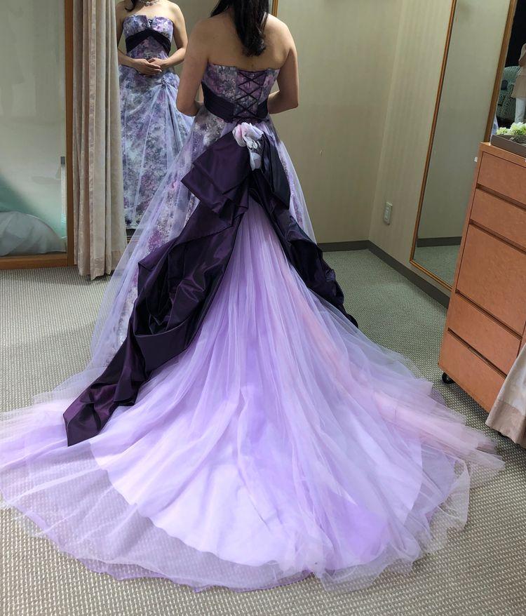 柄のある変わったドレス
