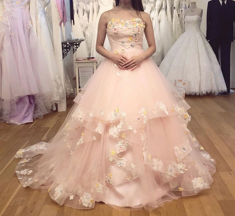 フリルの可愛いドレス