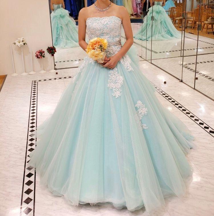 エメラルドグリーンドレス