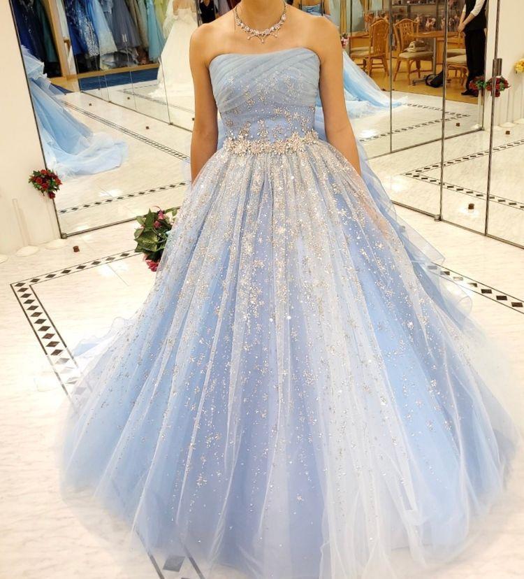 キラキラ感たっぷりのドレス