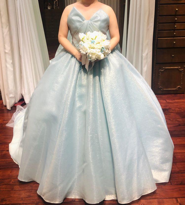 上品で華もあってとても綺麗なドレスでした