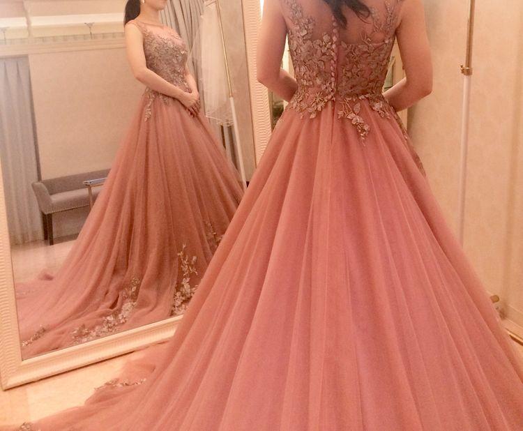 落ち着いたピンクのカラードレス