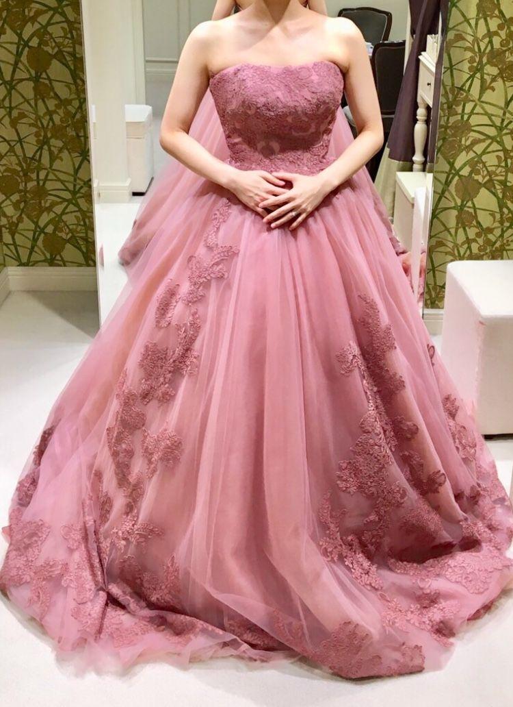 くすみピンクの大人ドレス