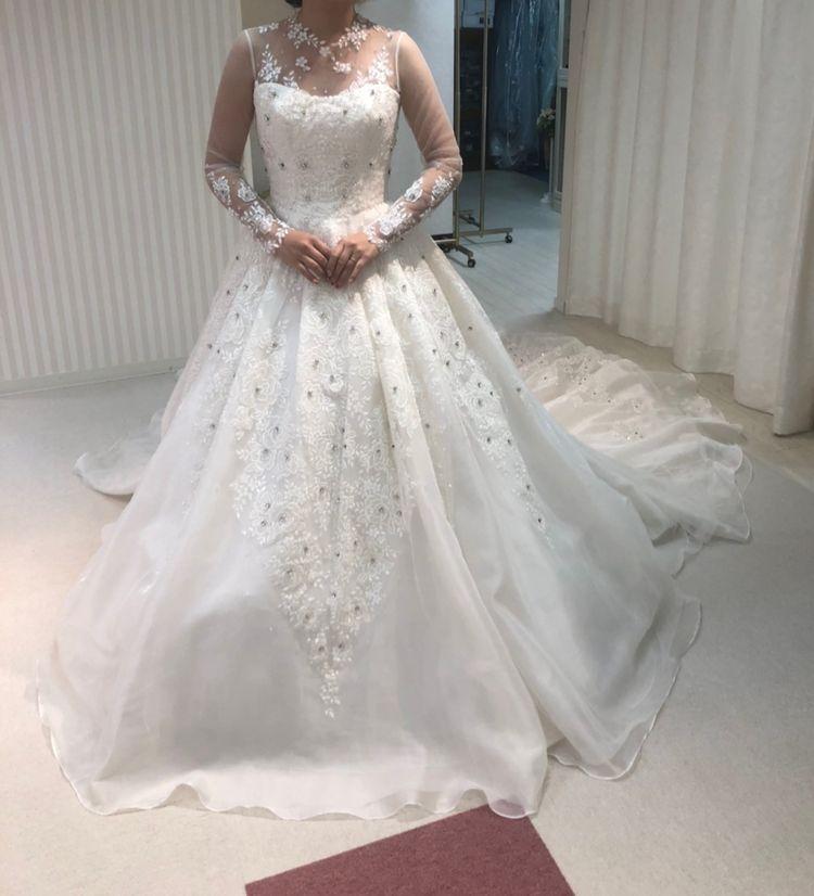 可愛いデザインのドレスが多いです。