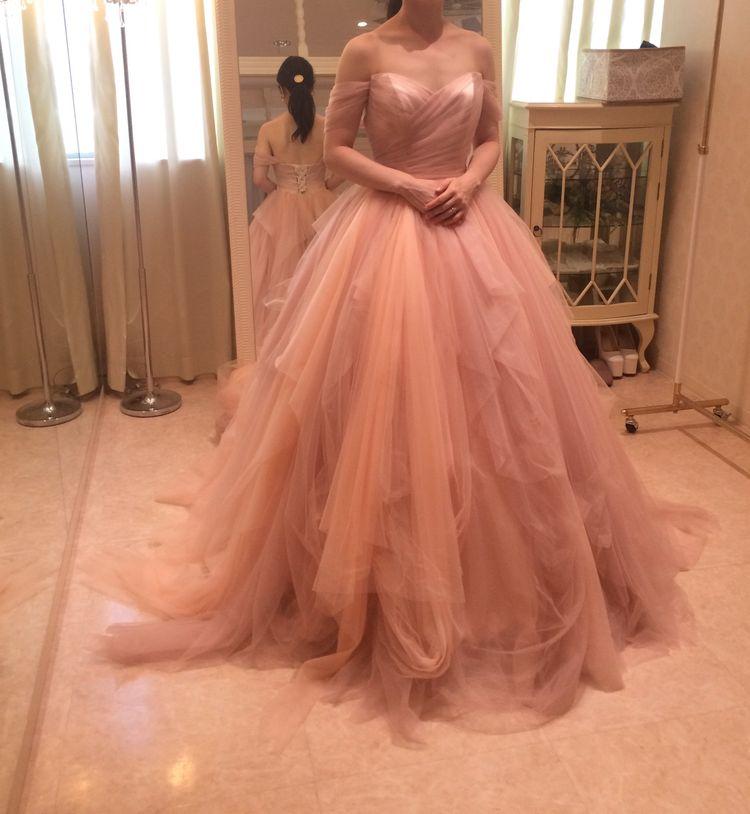 シフォンのナチュラルなドレス