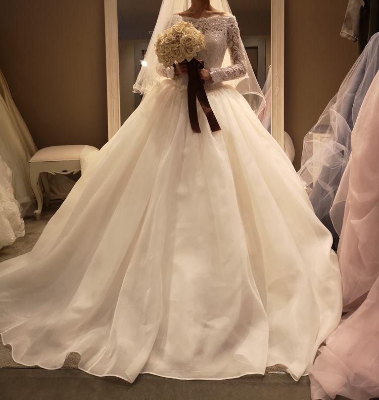 デザイン性高めドレス
