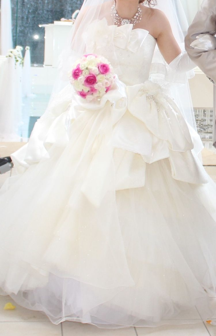 ふんわり可愛い93KEYのウェディングドレス