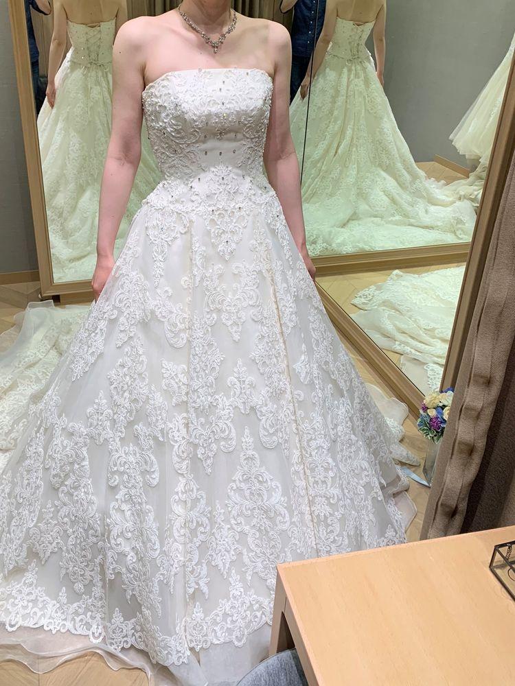 ドレスのラインが素晴らしい!!