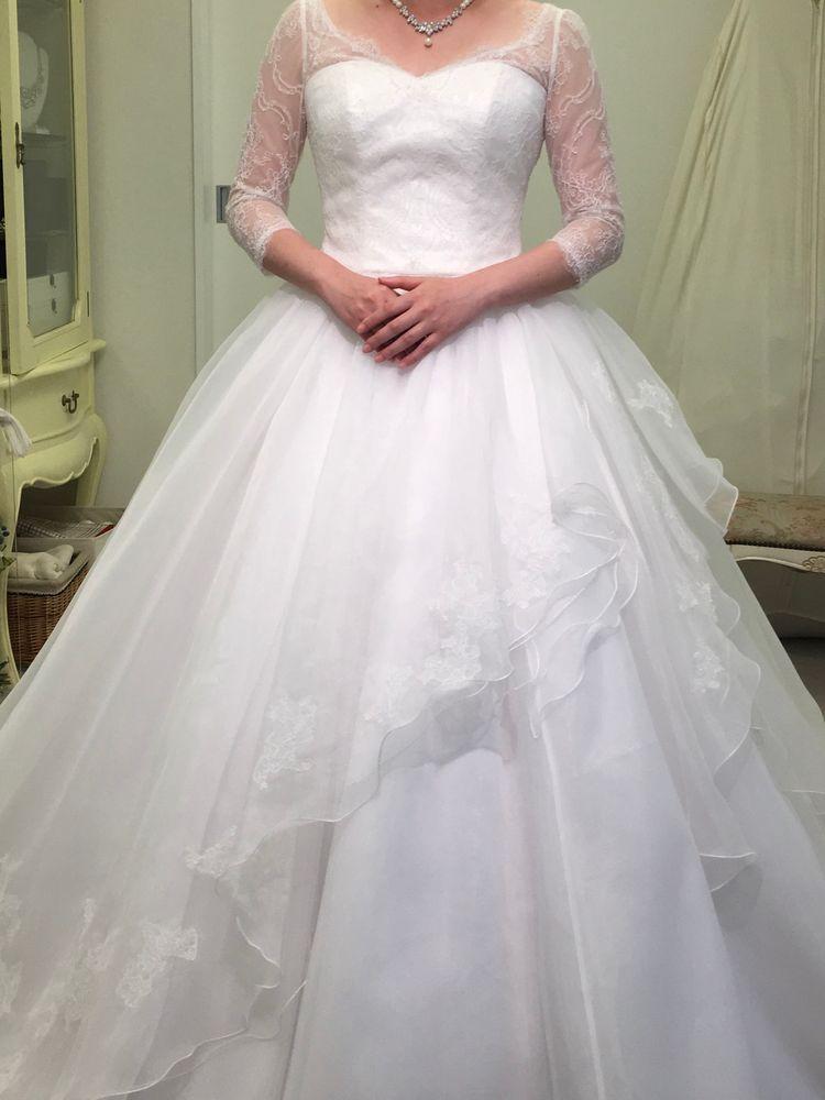 トレーンの美しいドレス