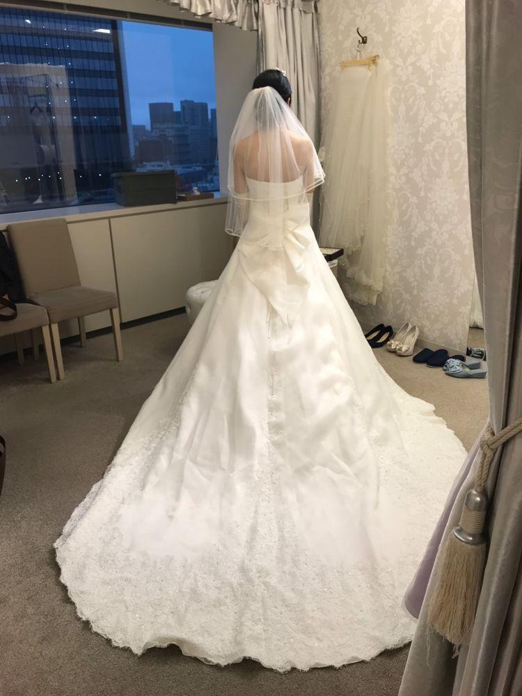 王道のウェディングドレスだと思います