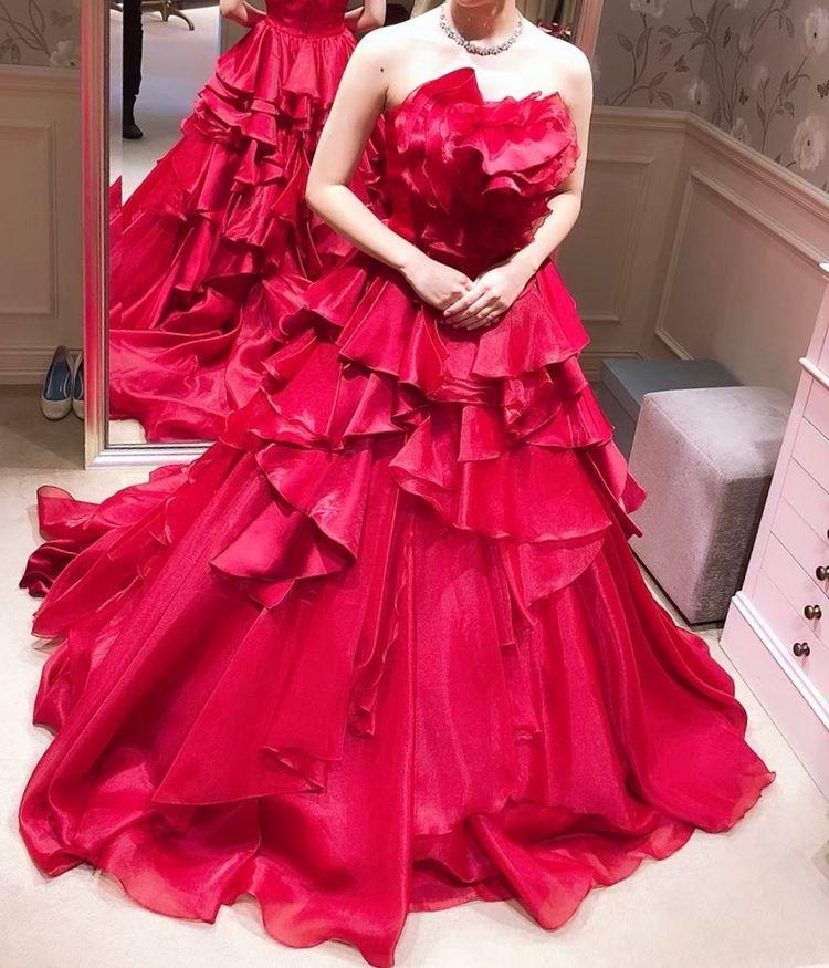 理想の赤ドレス