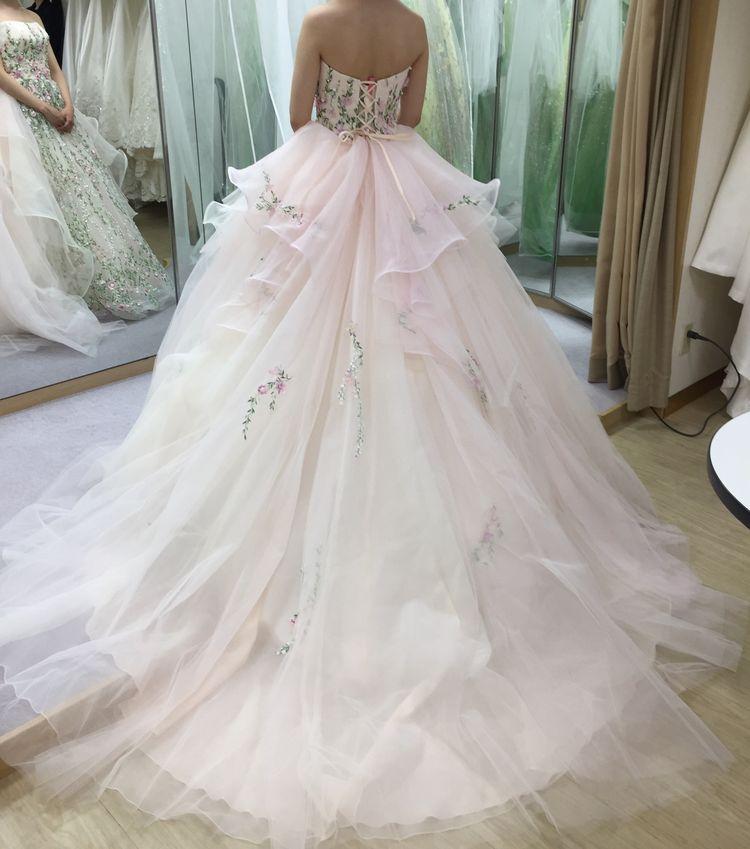 花模様のカラードレス