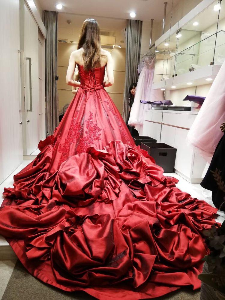 真紅のドレス