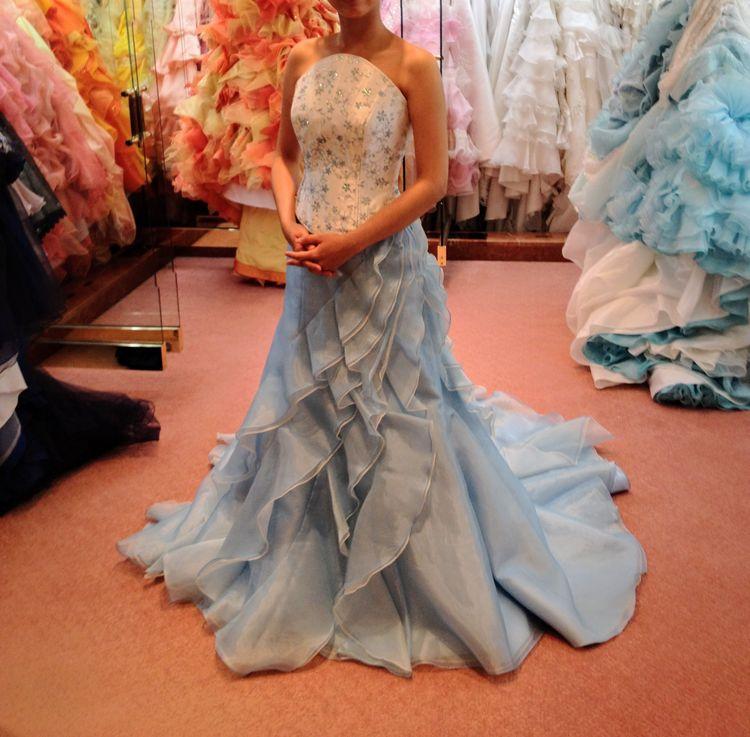 水色のマーメイドドレス