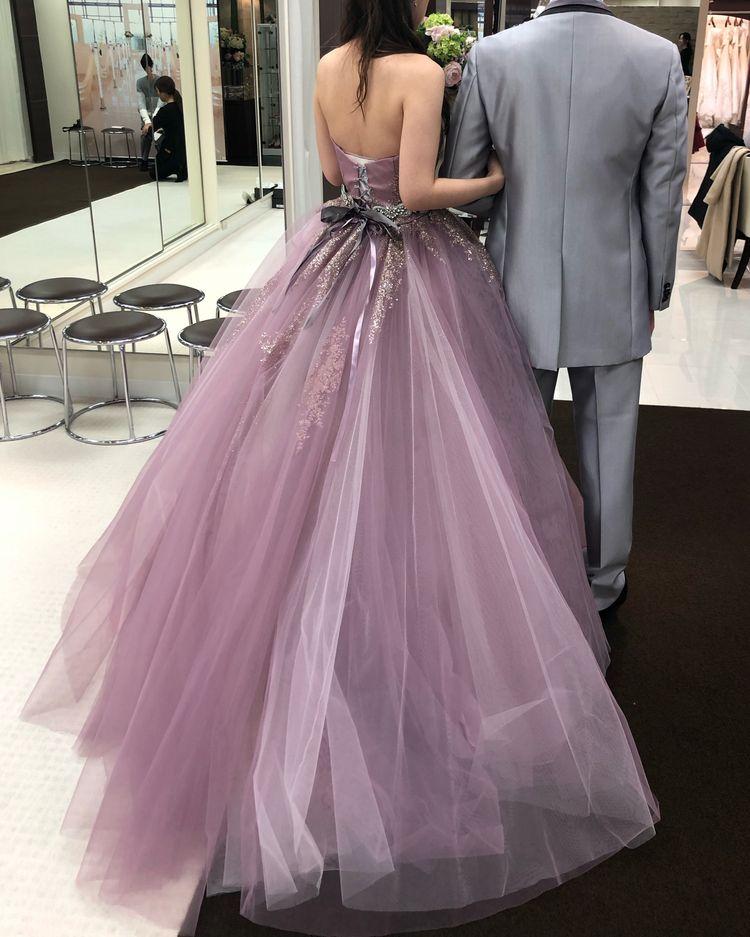 ピンクとパープルが重なったドレス
