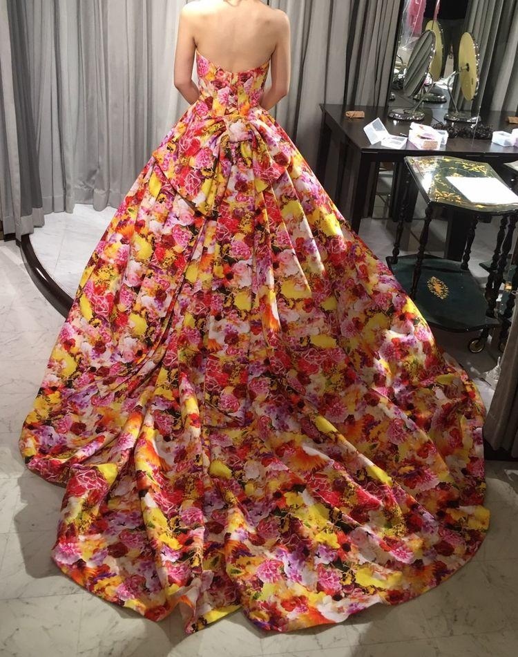 インパクトのあるお花のドレス