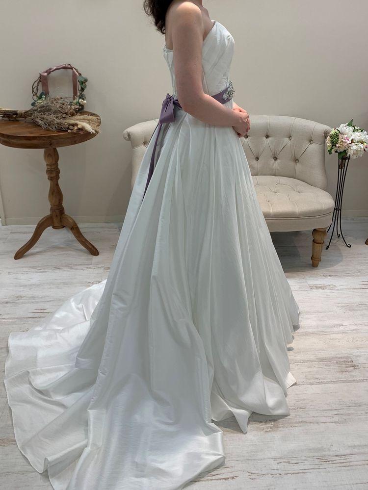 生地感が珍しいドレス