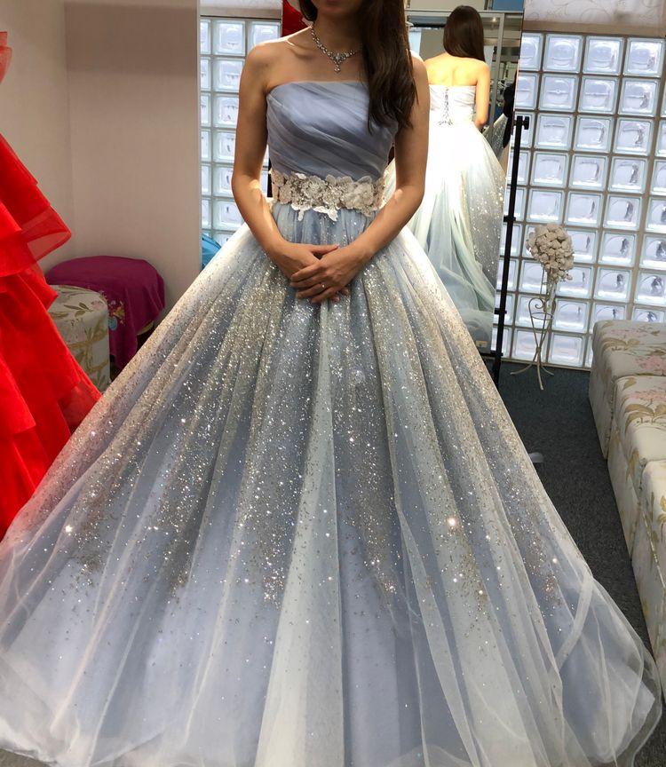 キラキラのカラードレス!