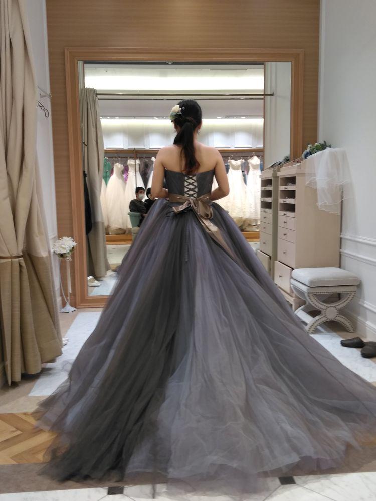 すごく人気のドレスを試着できました!