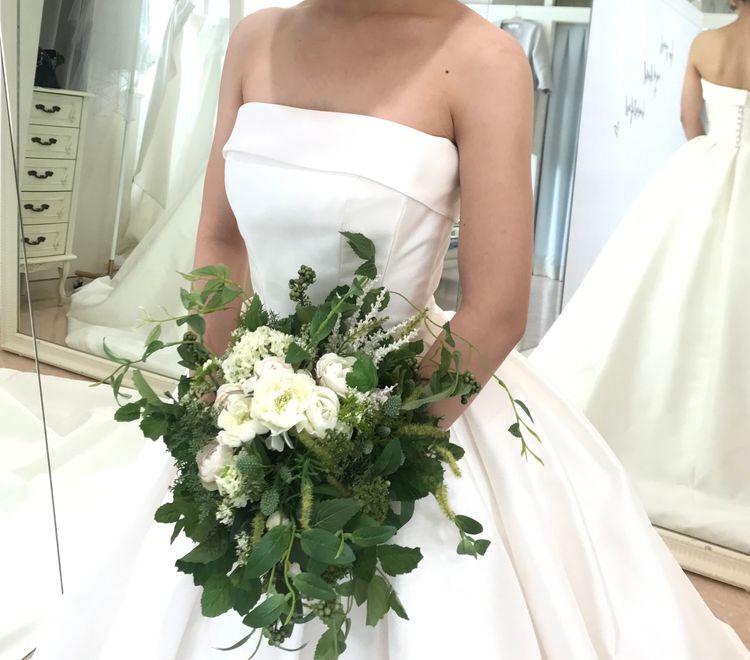 純白ウェディングドレス