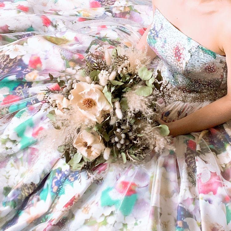春を感じさせる運命のドレス