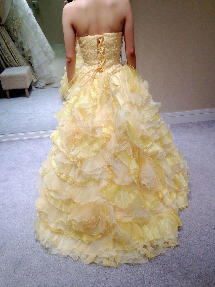 フリルいっぱいなドレス