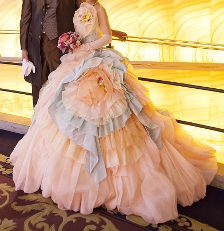 パステルカラーのドレス