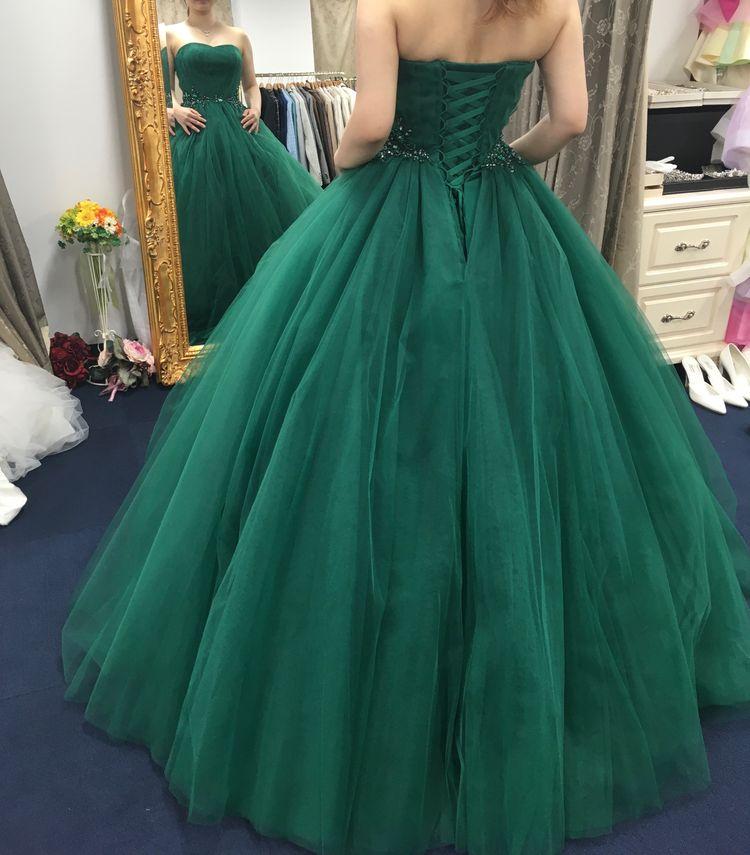 鮮やかグリーンドレス
