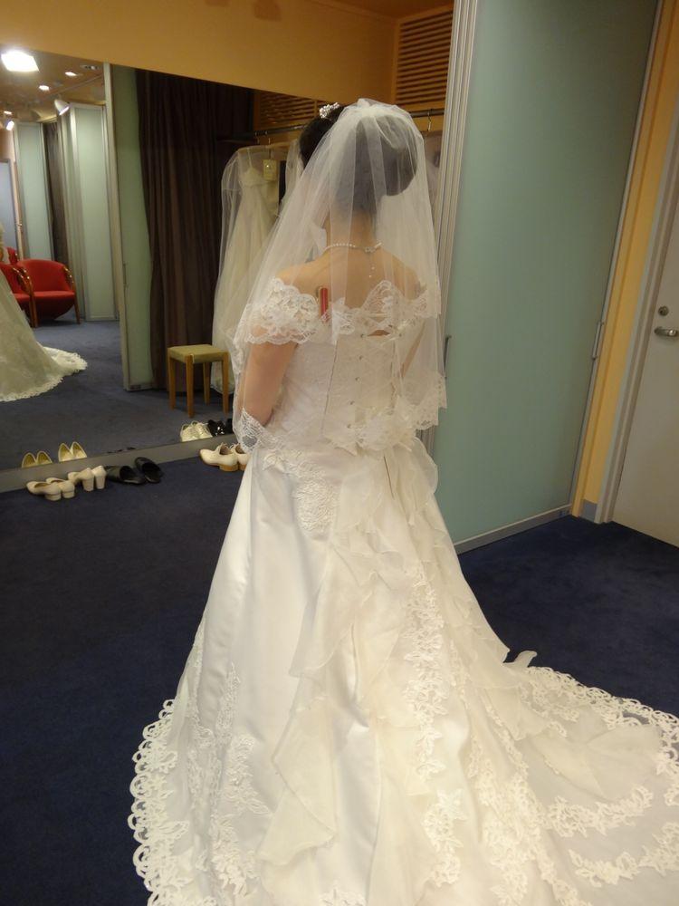 当時妊娠中でしたが大変素敵なドレスに廻り合いました
