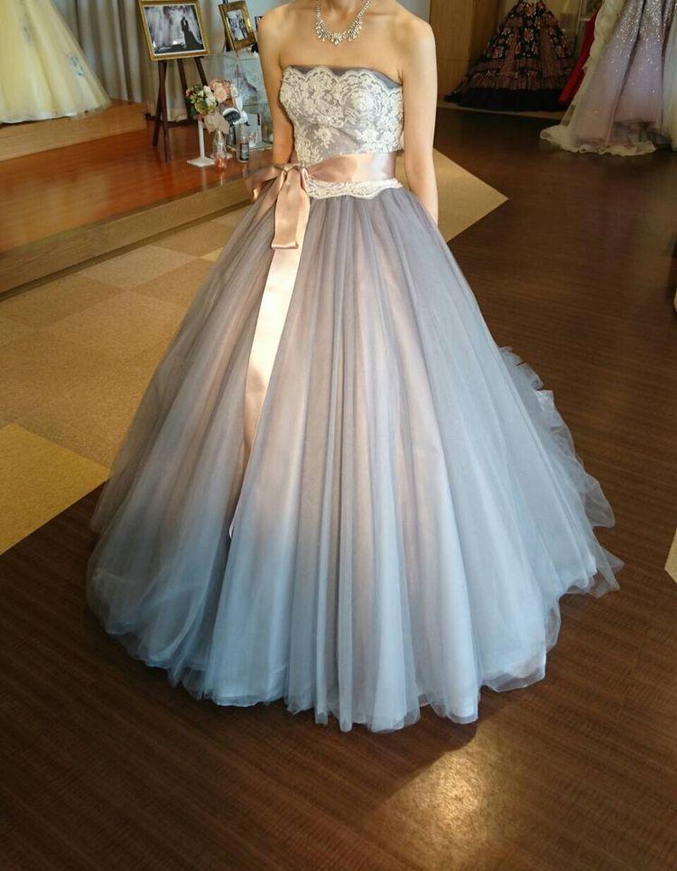 シンプルながらもキュートなドレス