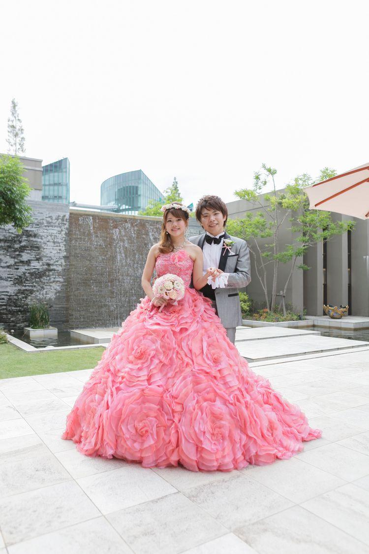 大好きな花とピンクを取り入れたドレス」カラードレスは絶対に