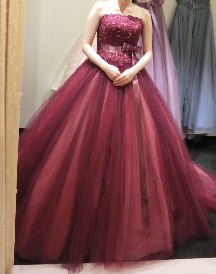 ローラアシュレイの赤ドレス