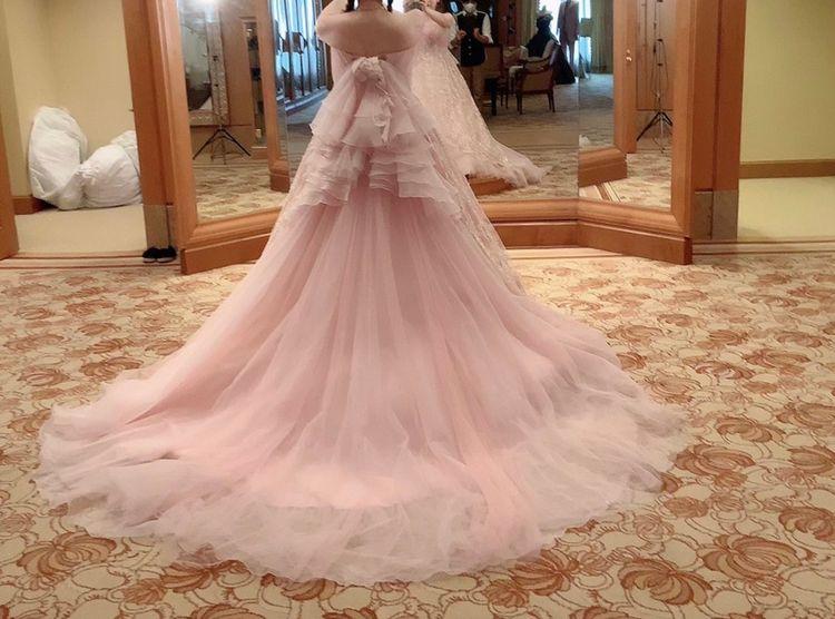 優しい色合いだけどキュートなドレス
