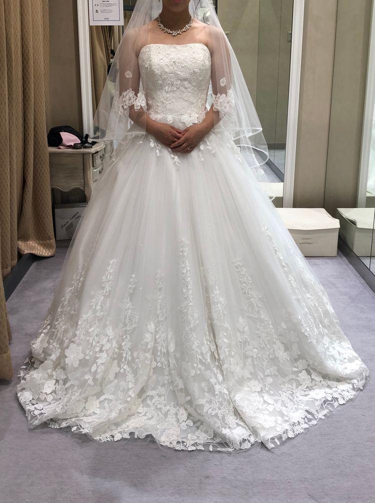 キラキラのチュールのドレス