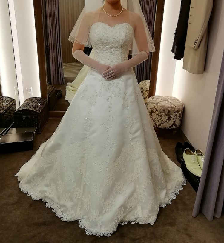 シンプルイズベストな王道ドレス