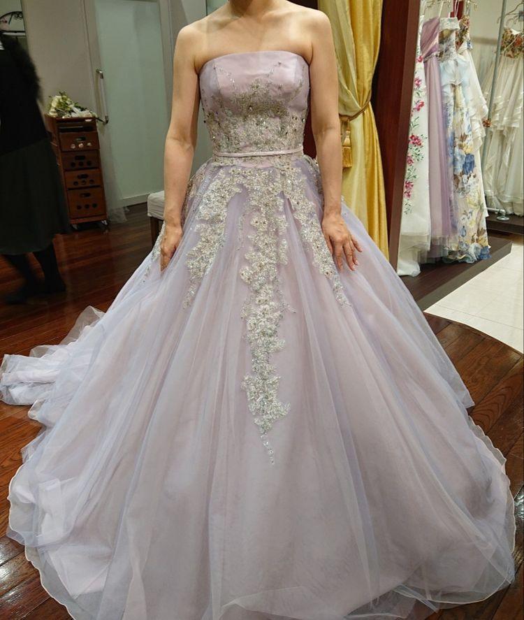 淡いラベンダードレス