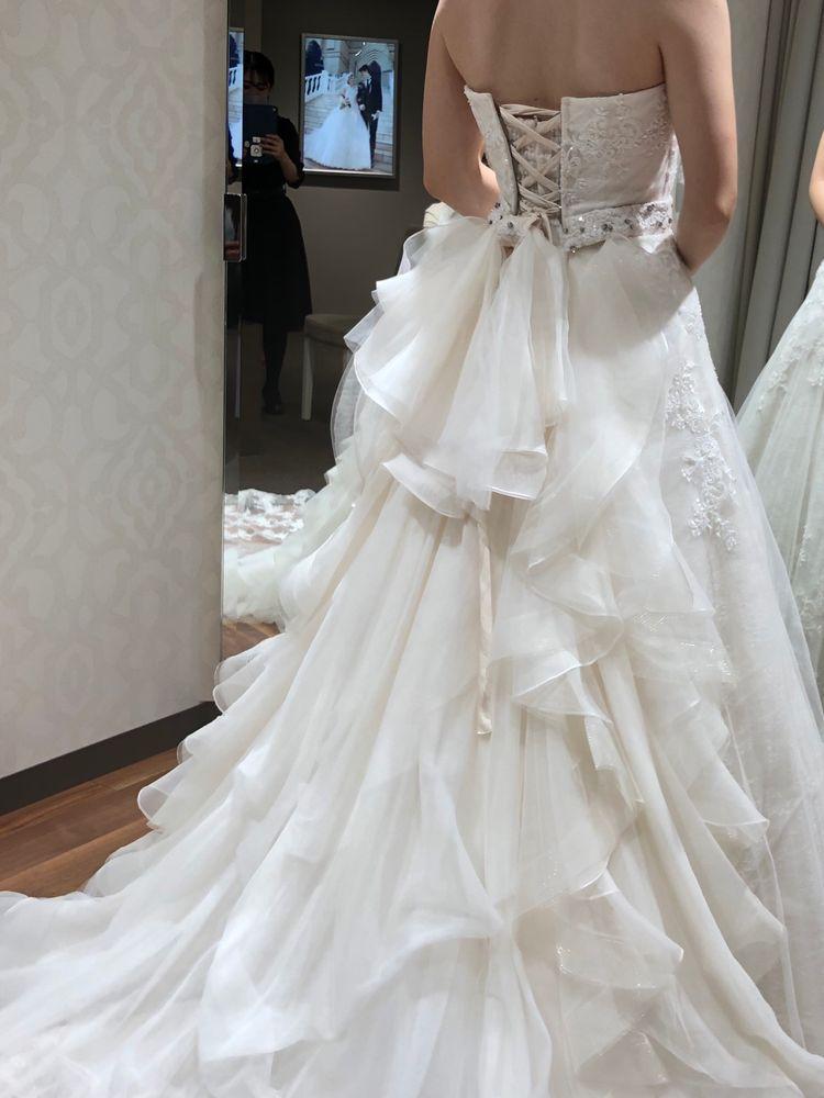 可愛らしいウェディングドレス