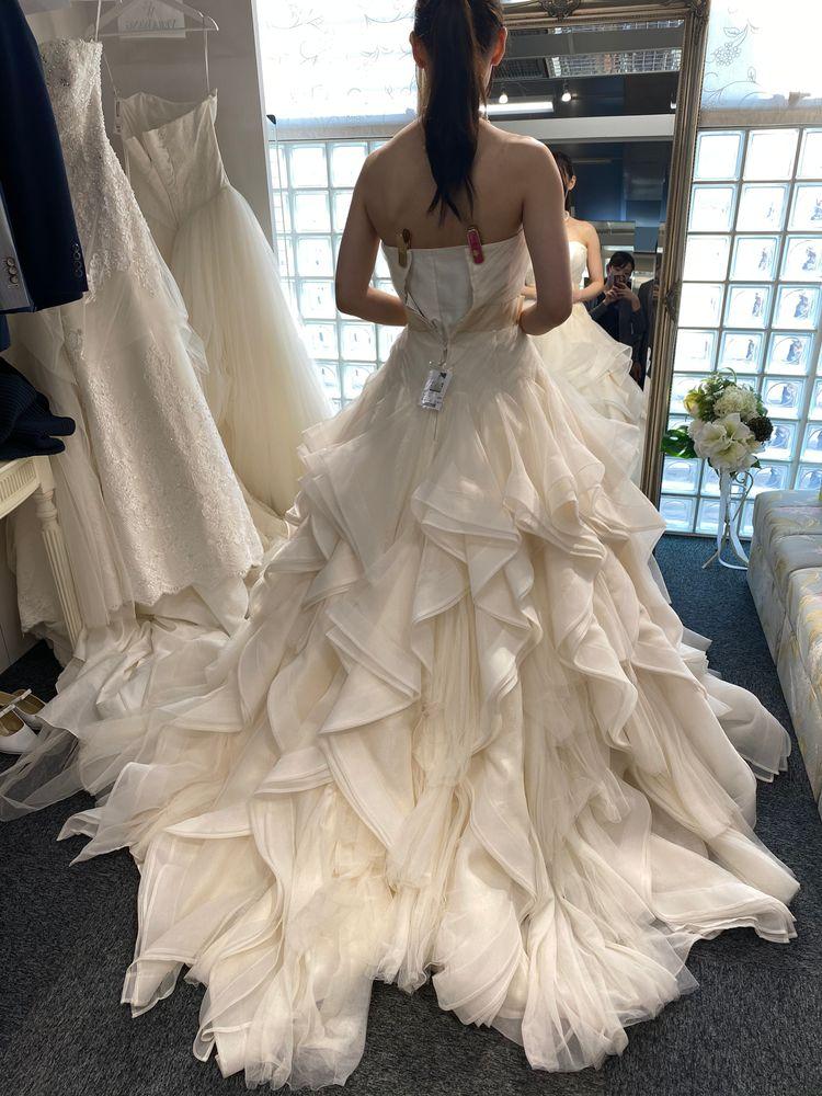 ヘイリー風のウエディングドレス