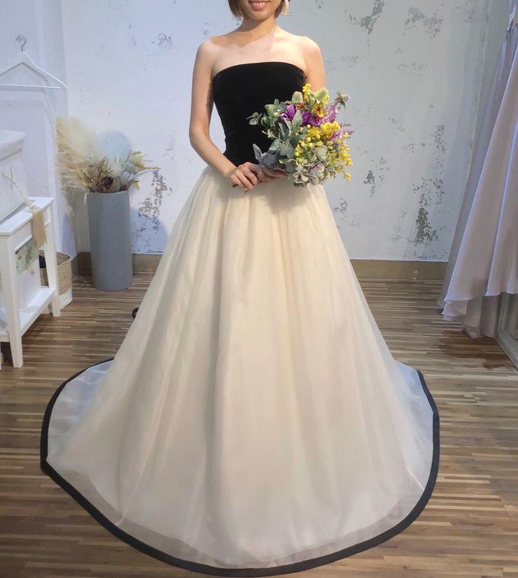 ベルベット生地のドレス
