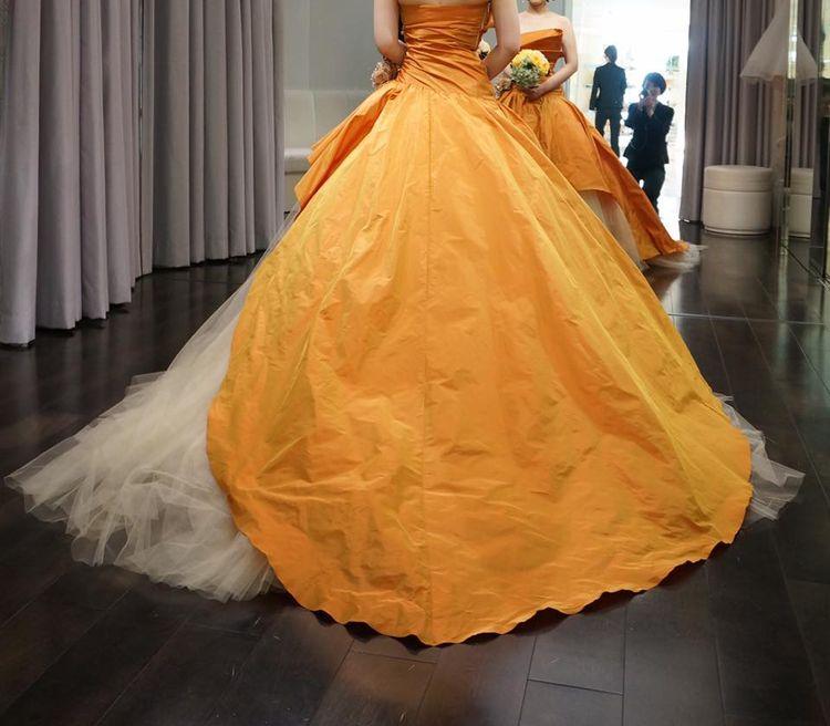 秋婚の方にピッタリなドレス