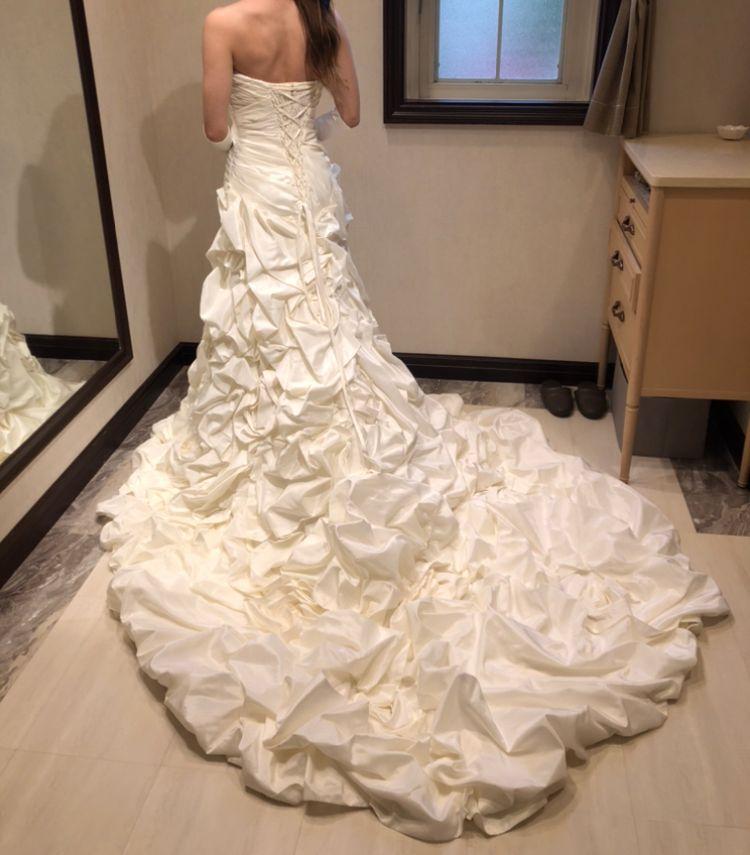 マーメイドのボリューミーな薔薇のドレス