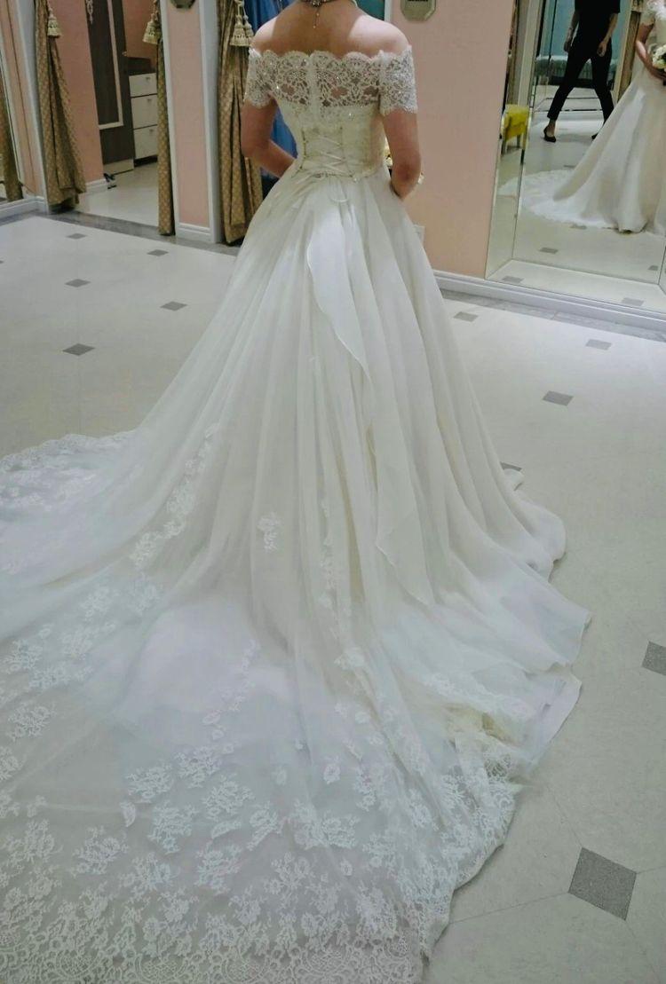 上品なオーガンジードレス