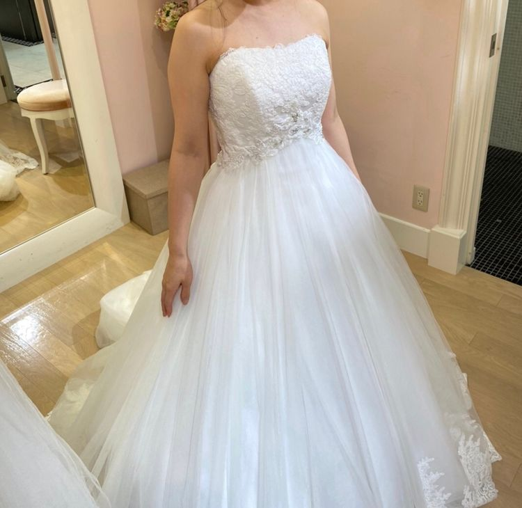 シンプル可愛いウエディングドレス