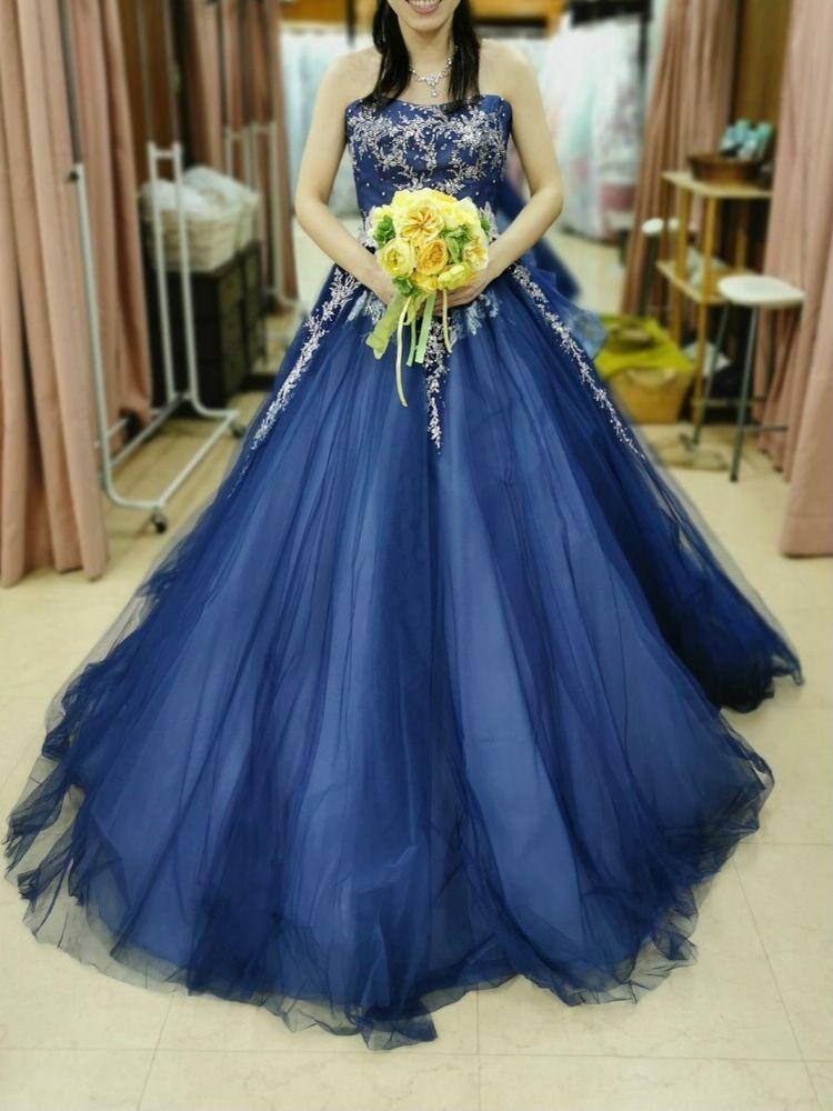 上品なカラードレス