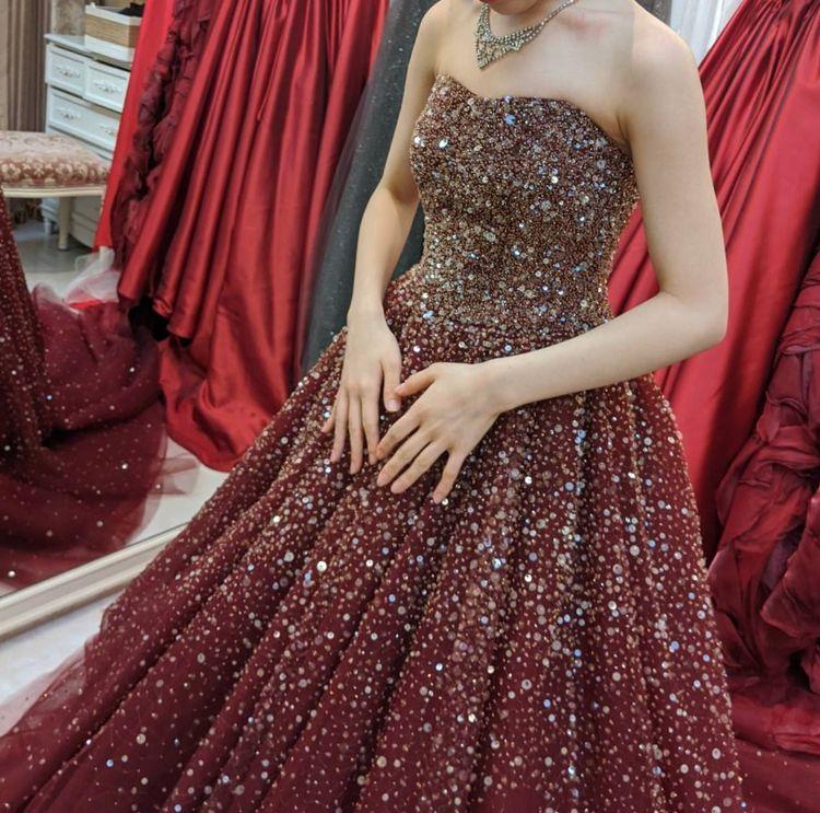 スパンコールのドレス