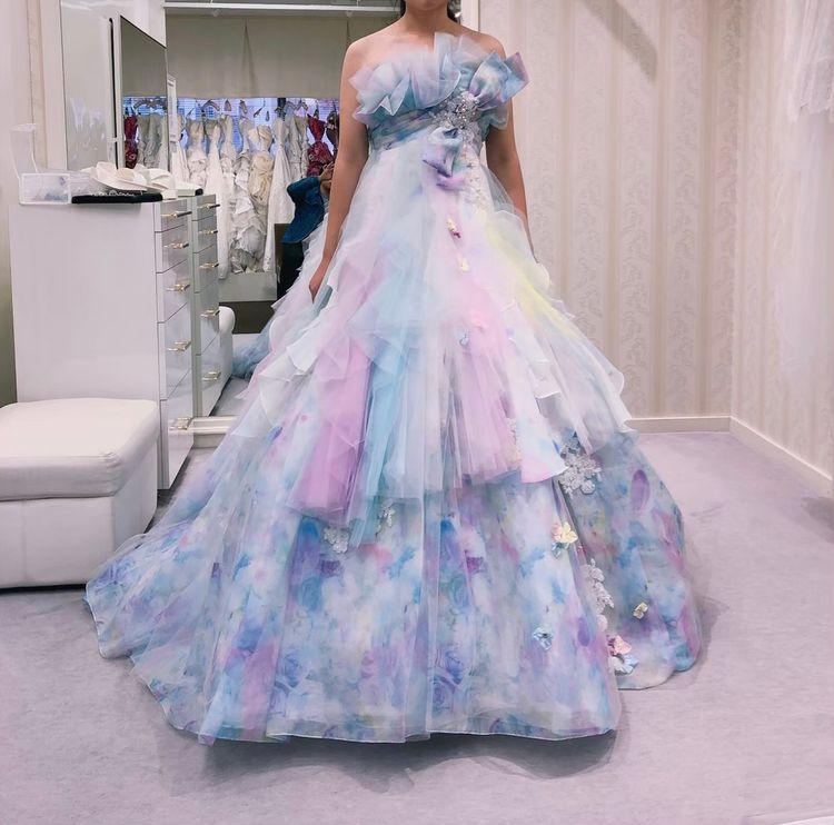 色鮮やかなドレス