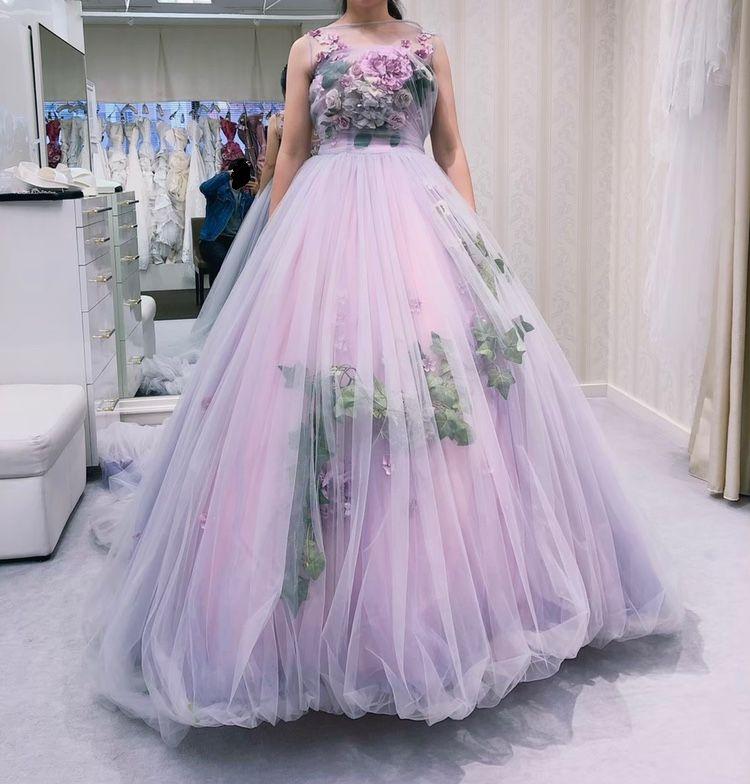 フラワー盛りだくさんのドレス