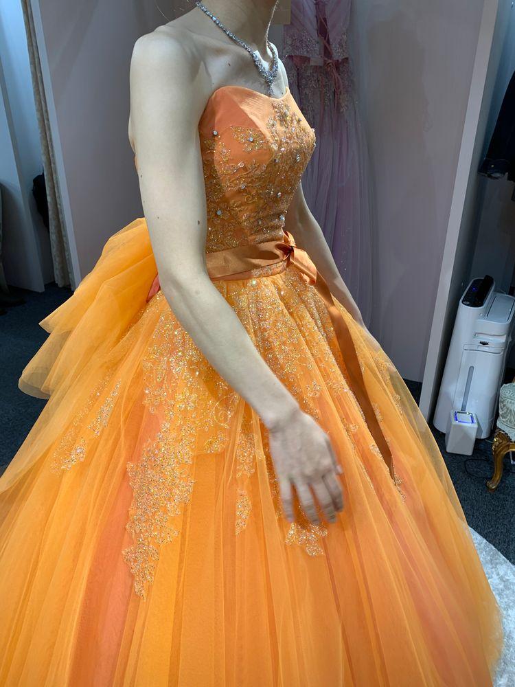 オレンジカラードレス
