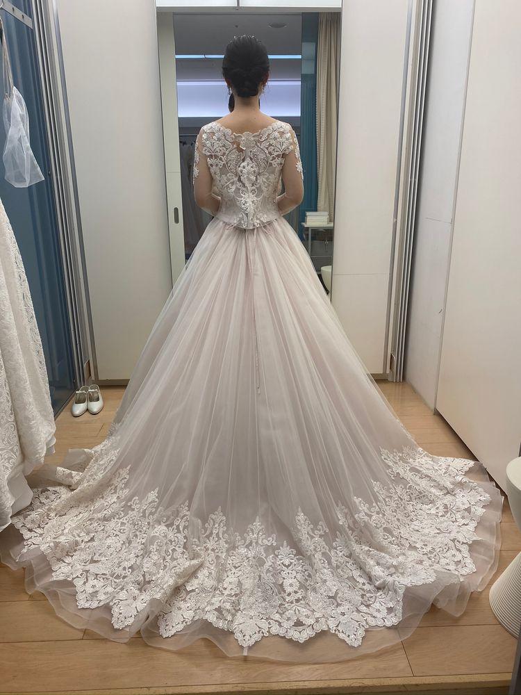 ボレロで印象がガラッと変わるドレス