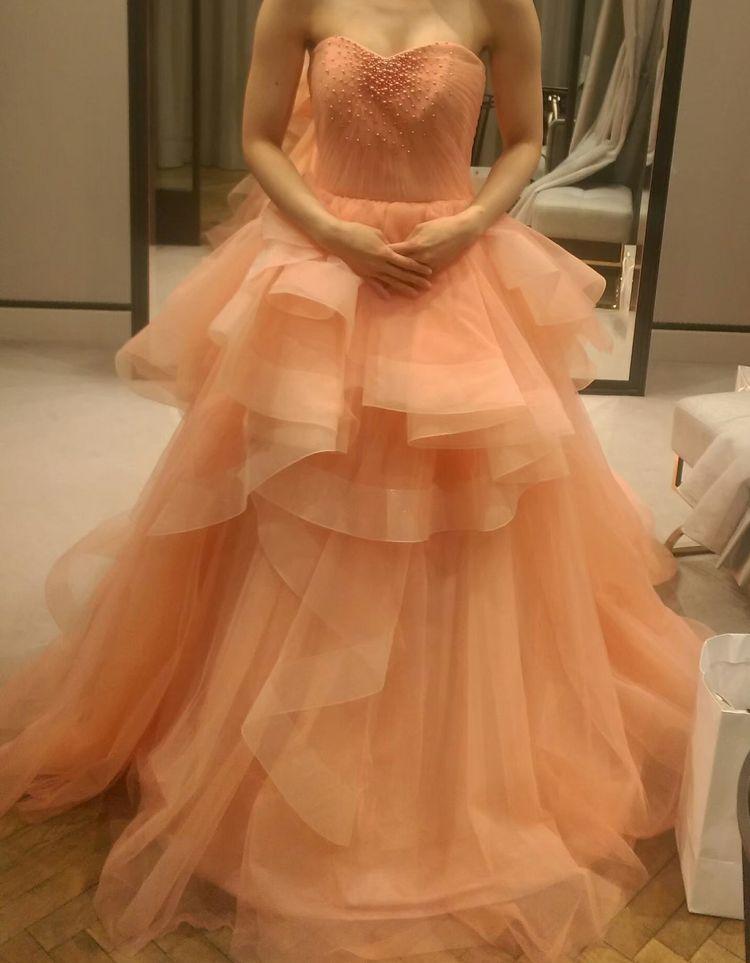 優しい色のカラードレス